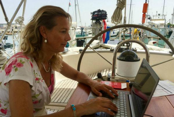 Aan het werk op de boot